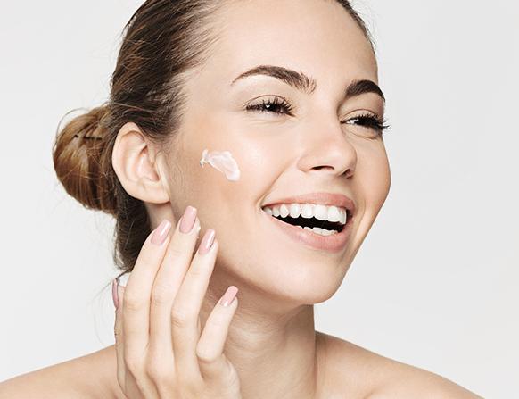 Jak nawilżyć suchą i wrażliwą skórę twarzy?